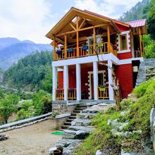 Offbeat Abodes - Tirthan Valley in Sarahan