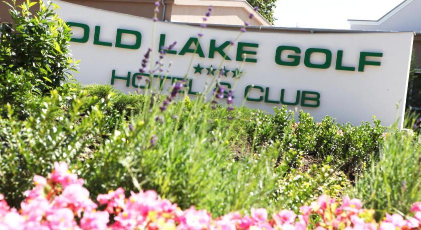 Old Lake Golf Hotel in Vertesszolos