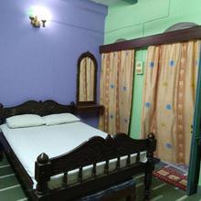 Olya Guest House in Varanasi