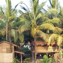 Om Gravity Eco Resort in Pololem