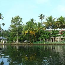Orchid Lake View Homestay in Cherthala