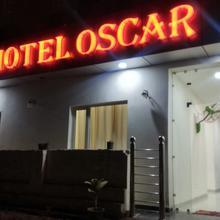 Oscar Banquet & Hotel in Baddi