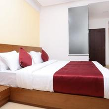 OYO 023 Hotel Ayodhya Residency in Kozhikode