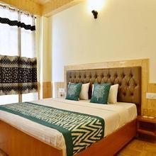 Oyo 10080 Hotel Kufri Ashray in Theog