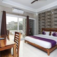 Oyo 10119 Hotel Golden Leaf in Gurugram