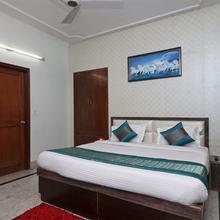 Oyo 10124 Ashiana Guest House in Dera Mandi