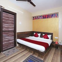 OYO 10137 Hotel Vaishnavi in Dadhdevi