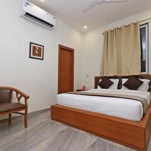 Capital O 10148 Hotel Paras Royal in Kota