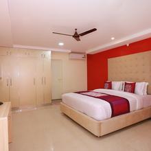 OYO 10149 Noor Residency in Alwaye