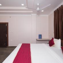 Oyo 10189 Hotel Aashiyana in Dharapur