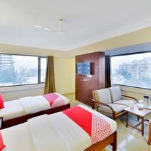 Oyo 10197 Hotel Apex in Naroda