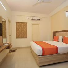 Capital O 10258 Hotel Hibiscus Hebbal in Chik Banavar