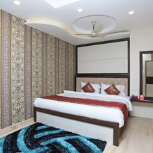 OYO 10338 Hotel Aadesh Palace in Varanasi