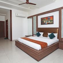 OYO 10343 Hotel Heera Foods in Vrindavan