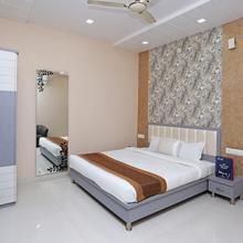 OYO 10360 Hotel Grand Manoranjan in Sardarnagar