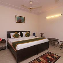 Oyo 10361 Hotel Stay @ 23 in Noida