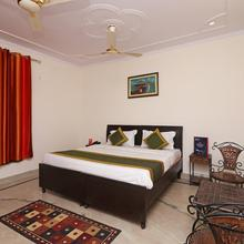 OYO 10361 Hotel Stay @ 23 in Greater Noida