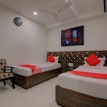 OYO 1037 Hotel Kosala in Mustabada