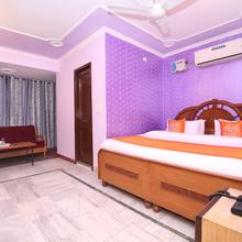 OYO 10384 Hotel Rajesh Palace in Chandigarh