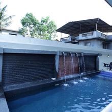 OYO 10388 Hotel Dean Villa in Pune