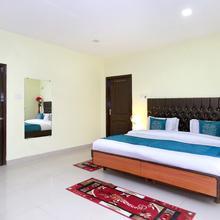 OYO 10407 Home Modern 3bhk Sanjauli Market in Chail