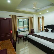 Oyo 10428 Hotel Sandal Breeze in Kanthalloor