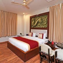 OYO 10431 Hotel Ishanika in Lucknow