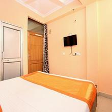 OYO 10463 Hotel Paras in Dera Bassi