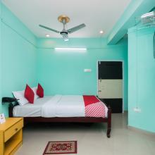 Oyo 10471 Hotel Samrat Palace in Garalgachha