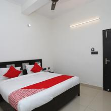 Oyo 10535 Hotel Alpine in Bareilly