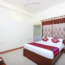 Oyo 10545 Sorgam Serviced Apartments in Tambaram