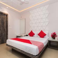 Oyo 10614 Hotel Glassotel in Kalikapur