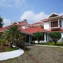 OYO 10638 Chandana Royal Resorts in Maraiyur