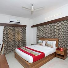 OYO 10671 Hotel Sai Prem Deluxe in Nashik