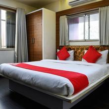 Oyo 10677 Hotel Monarch Guestline in Tathawade