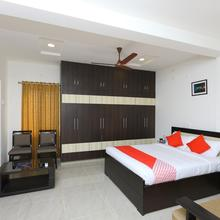 Oyo 10701 Moukthi Apartment in Renigunta