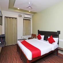 OYO 10707 Hotel Gokul Grand in Varanasi