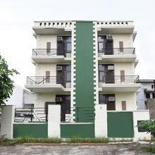 Oyo 10747 Vashu Residency in Ghaziabad