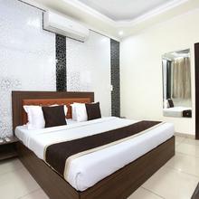 Oyo 10832 Hotel Jb 2 in Dera Bassi
