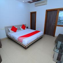 Oyo 10897 Hotel Royal Castle in Raipur