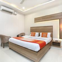 Oyo 10940 Hotel Waves in Dera Bassi