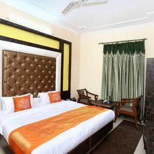Oyo 11318 Hotel Shagun in Kharar