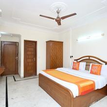 Oyo 11371 Hotel M&v in Bhankharpur