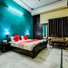 Oyo 11401 Hotel Malhotra in Jaipur