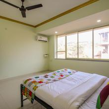 OYO 11409 Home Sunset View 1BHK Panjim in Jua