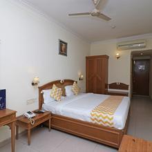 Capital O 11479 Hotel Altus Residency in Dera Mandi