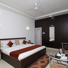 OYO 11526 Hotel Apollo in Agra