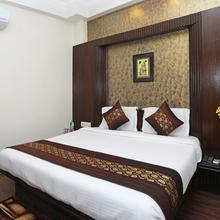 OYO 11599 Hotel Hi Life in New Delhi