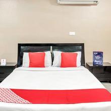 Oyo 11614 Hotel Vvip Stays in Rampur