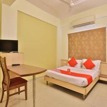 Oyo 11718 Aparthotel Shivarth in Sanand